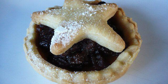 Mince pie by Sarah via Flickr.